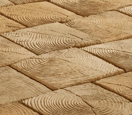 тротуарная плитка из древесных спилов