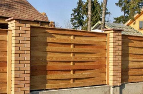 Забор-изгородь из досок